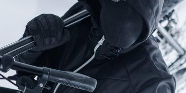 Злодії полишили кременчужан велосипеда та спорядження для підводного полювання