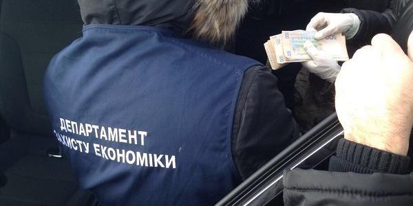 На хабарі затримали колишнього керівника інспекції Держгеокадастру Полтавщини