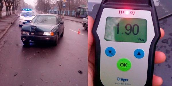 У Кременчуці водій «під шафе» спричинив ДТП, серйозно пошкодивши своє авто