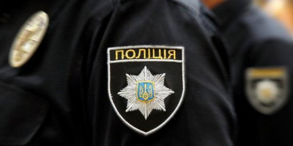 В зал Полтавского облсовета зашли полицейские, чтобы вывести жителей Белецковки, которые блокируют трибуну