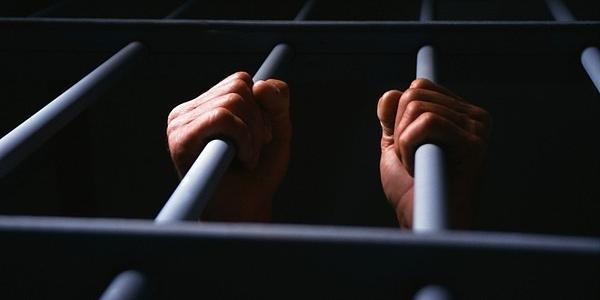 Крюківський суд покарав: п'яний син, який до смерті забив п'яного батька лопатою тепер довго сидітиме