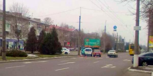 На проспекті Свободи зіткнулися Москвич та Peugeot