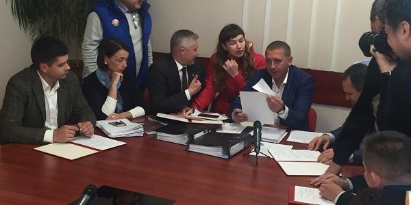 Мэр Кременчуга Малецкий вместо публичних слушаний по тарифам ездил на футбол в Киев