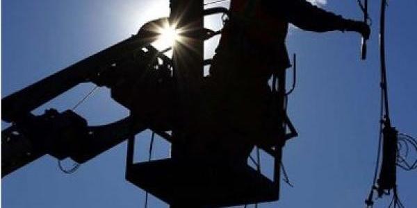Через крах вертольота кілька десятків осель в Кременчуці досі перебувають без світла