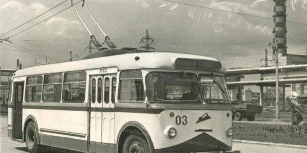 Кременчужанам показали первыйтроллейбус, который ездил городом более 50 лет назад