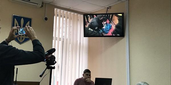 Відеодоказ у справі «Харченко vs поліція: 8 поліцейських на одного активіста