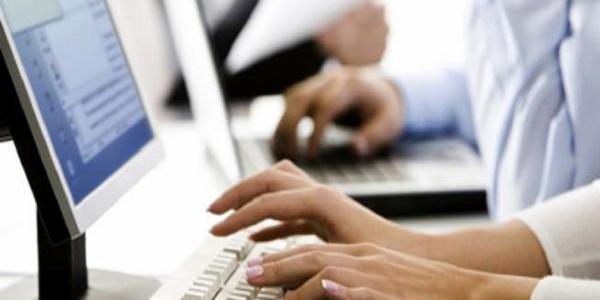В Кременчуге Пенсионный фонд создает электронные пенсионные дела, которые должны заменить их бумажные аналоги