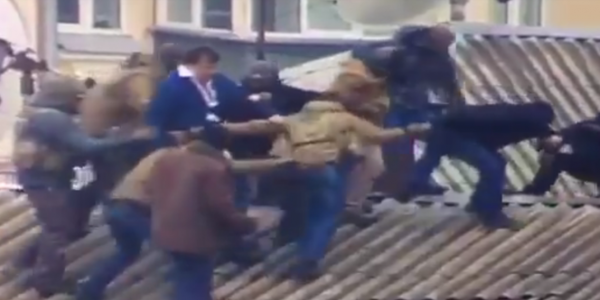 З'явилося відео затримання Саакашвілі на даху