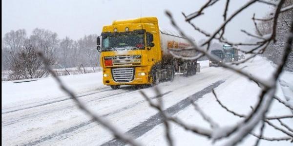 Негода: на одній із основних доріг Полтавщини обмежили рух автівок