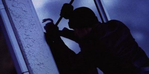 У Кременчуці крадії винесли з офісу та квартири гроші, ноутбукии та ювелірку