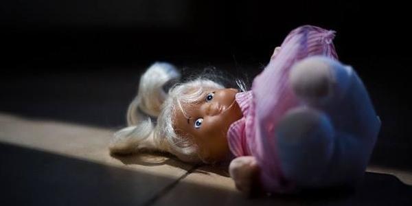 Діти в небезпеці: у Кременчуці трьох малят забрали від матері, яка зловживає алкоголем