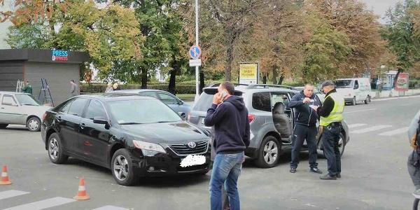 Машина секретаря Кременчугского горсовета Гриценко не розминулась с Subaru
