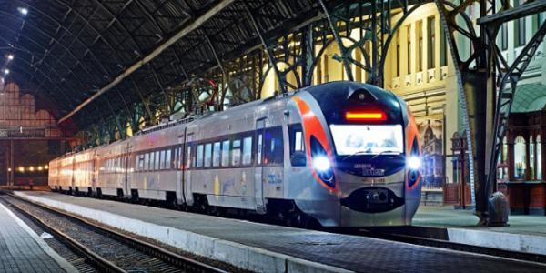 «Укрзалізниця» почала продаж квитків на потяги до Євросоюзу