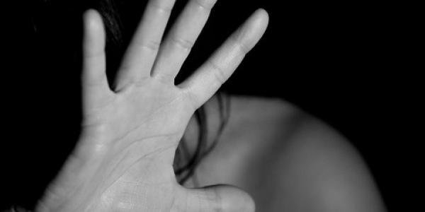 У Горішніх Плавнях раніше судимий дядько зґвалтував неповнолітню