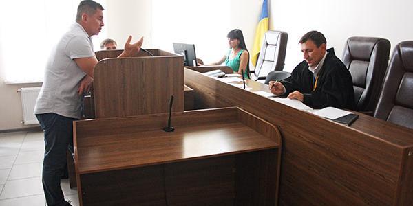 Суд у справі поновлення на посадіМедведовського: одному свідкові стало зле, інший нічого не пам'ятає