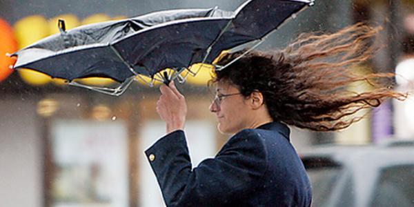 Завтра кременчужанам дошкулятиме холод, дощ і штормовий вітер