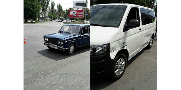 У обох автомобілів механічні пошкодження.