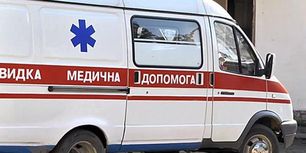 У лікарню доставили кременчужанина, який вдарив себе ножем у живіт