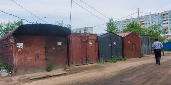 Собственников незаконных гаражей возле автокооператива «Синтез» безбожно штрафуют