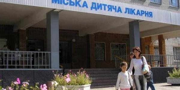 9-летняя кременчужанка, попавшая под винт лодки, возможно, будет переведена на лечение в Харьков