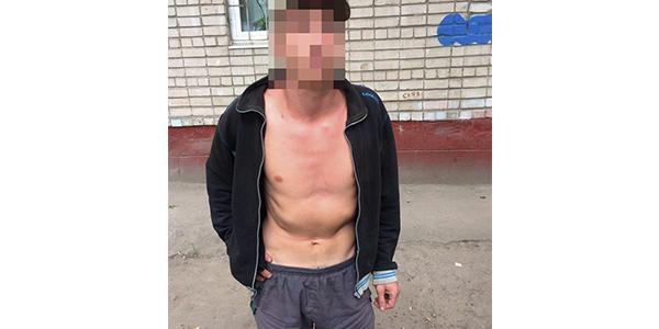 Напівоголений злочинець пограбував кременчужанина