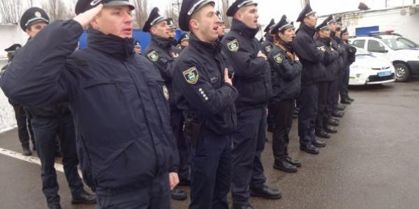 Дубль-2: кременчуцькі патрульні поліцейські урочисто склали присягу