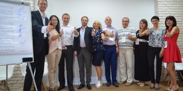 КрАЗ, Укртатнафта, Лукас та інші підприємства Кременчука підписали пакт по працевлаштуванню молоді