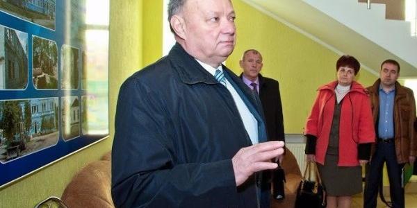 Обласні депутати хочуть аби парламент надав керівнику педколеджа Кременчука Гальченко щорічну премію