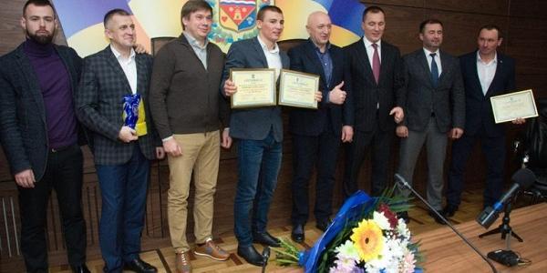 Не кременчуцькому: полтавському спортсмену Олександру Хижняку подарували квартиру