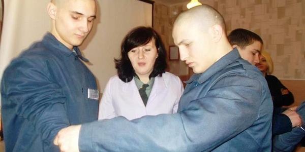 Вихованців Кременчуцької виховної колонії навчали надавати першу медичну допомогу