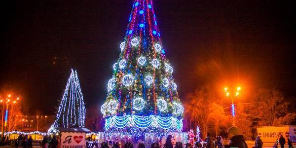 Новогоднюю ёлку на площади Победы начнут монтировать уже в конце ноября
