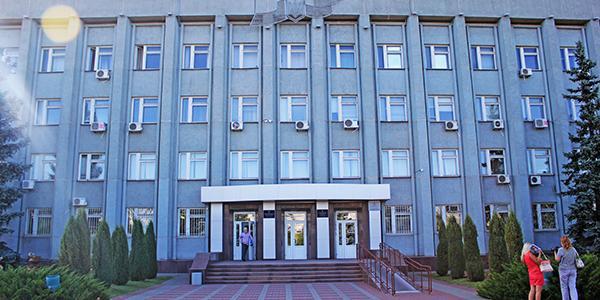 Власти Горишних Плавней опровергают информацию, что потратили на восстановление знака «Комсомольск» бюджетные средства