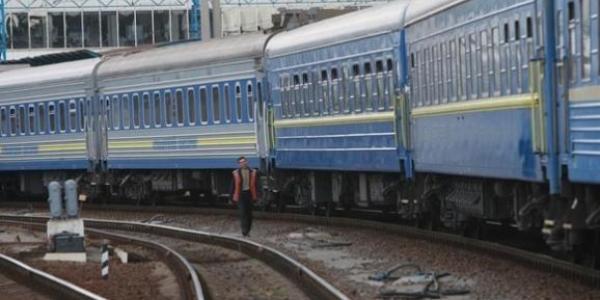 Потяг, що курсує через Полтавщину, із 1 лютого змінює графік руху