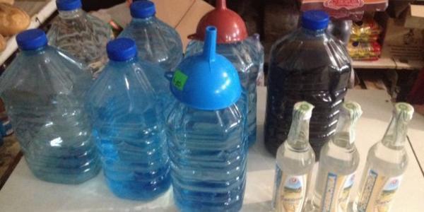 На Полтавщині викрили групу «підпільників», які виготовляли фальсифікований алкоголь