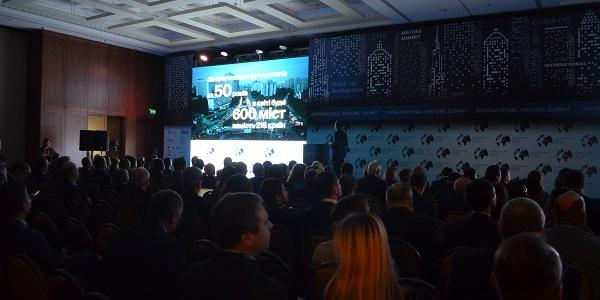 Малецький вчора був у Києві на Міжнародному саміті мерів і вирішив, що Кременчук у 2018 році збільшить бюджет більше, ніж столиця