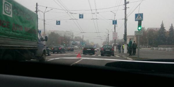 Вниманию водителей: в районе ДК КрАЗ – ДТП