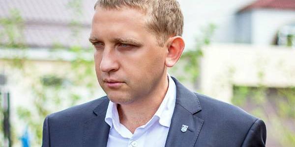 Малецкий явно пиарится на проблеме горожан – «долге Яценюка»: только судья готова слушать дело