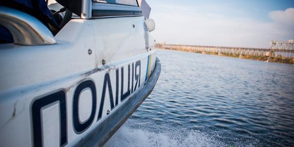 Водні поліцейські показали Кременчуцькій газеті свою роботу на Дніпрі