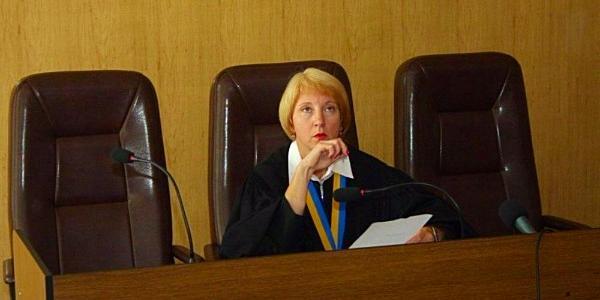 Судівські пристрасті: Рада суддів України підтримала полтавську суддю в її конфлікті з головою суду