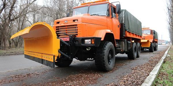 Кременчуцький автозавод забезпечив «Київавтодор» новенькими вантажівками