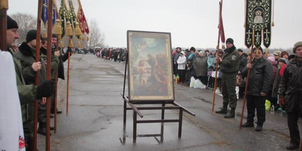 Традиційна Водохресна хода зібрала сотні кременчужан