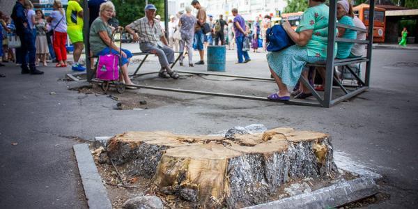 Будують незаконно: декларацію про початок будівництва зупинки «Центр» у Кременчуці скасовано ще рік тому
