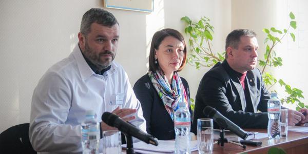 Директор больницы «Кременчугская» Сычев признал рост смертности в кардиологии, но похвалился единичным вживлением кардиостимулятора