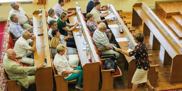 Какой срок комиссия во главе с Усановой дала директорам кременчугских школ