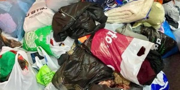 В Полтавском интернате выкинули в мусорные баки вещи, подаренные волонтерами