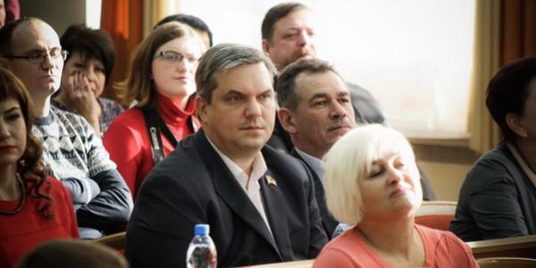 Як мер Кременчука Малецкий «кинув» депутата Кальченка та мешканців Молодіжного
