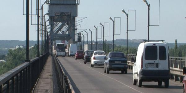 На Крюківському мосту сьогодні до обіду можливі затори