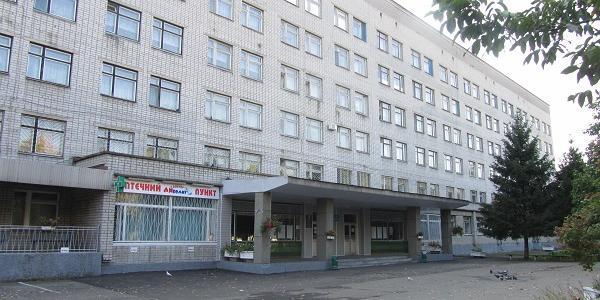 В Кременчуге киевлянин угрожал самоубийством на территории детской больницы