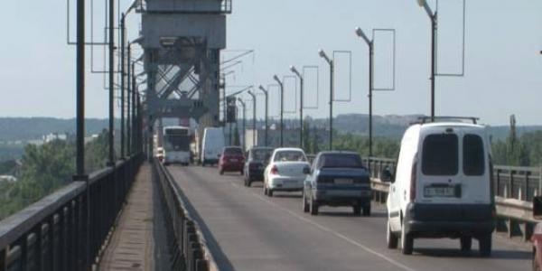 На Крюківському мосту нетверезий кременчужанин намагався заподіяти собі смерть