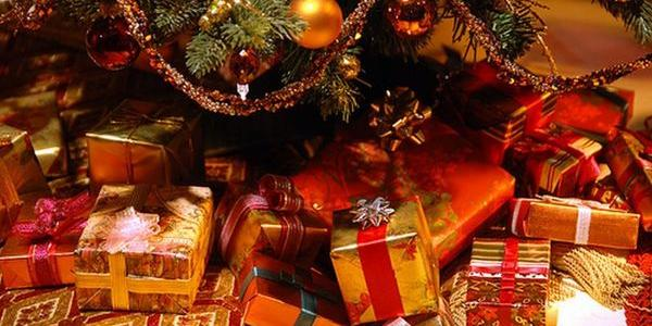 Никаких цепей и ярких цветов: готовимся к Новому году правильно